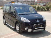Rezerves daļas,  Peugeot 5008, cena 200 €, Foto