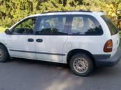 Аренда транспорта Легковые авто, цена 50 €, Фото
