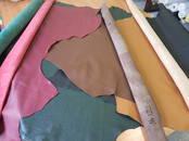 Remonts un rezerves daļas Ādas pārvilkšana, salona remonts, cena 9 €, Foto