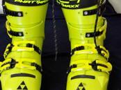 Sports, aktīvā atpūta,  Kalnu slēpošana Slēpju zābaki, cena 270 €, Foto