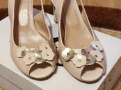 Apavi,  Sieviešu apavi Basainītes, cena 20 €, Foto