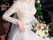 Women's clothes Wedding dresses and accessories, price 350 €, Photo